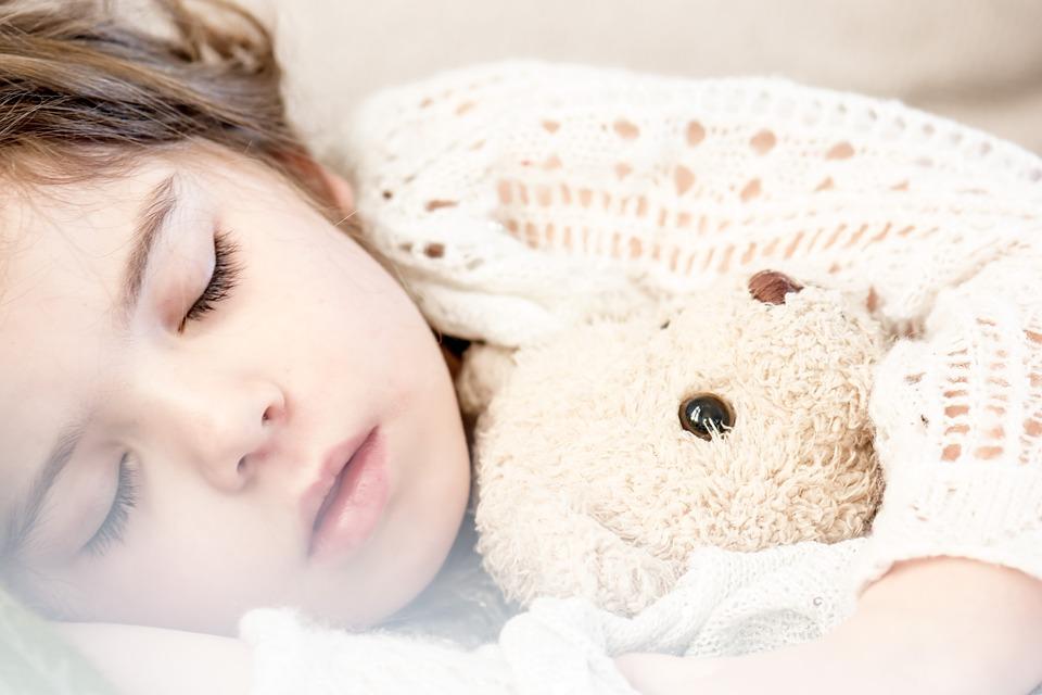 śpiące dziecko bez alergii